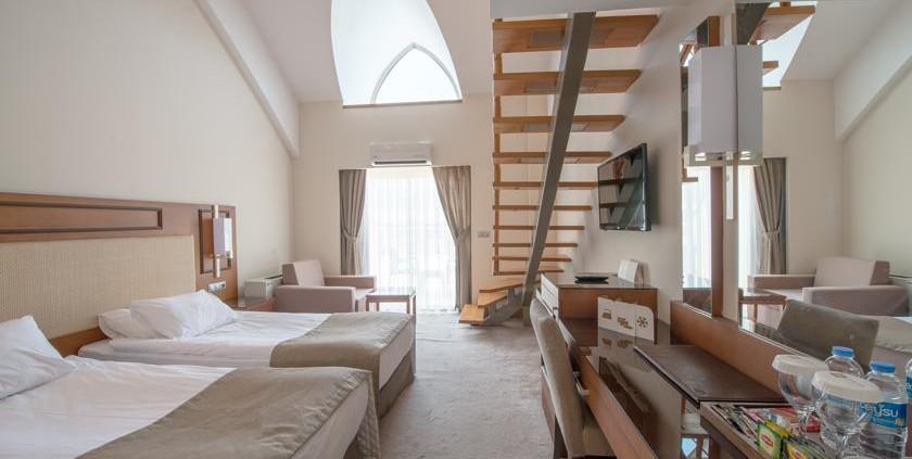 تور نوروز 96 هتل آمارا پرستیژ آنتالیا