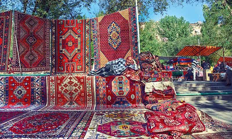 ورنیساژ ایروان (Vernissage Yerevan)2