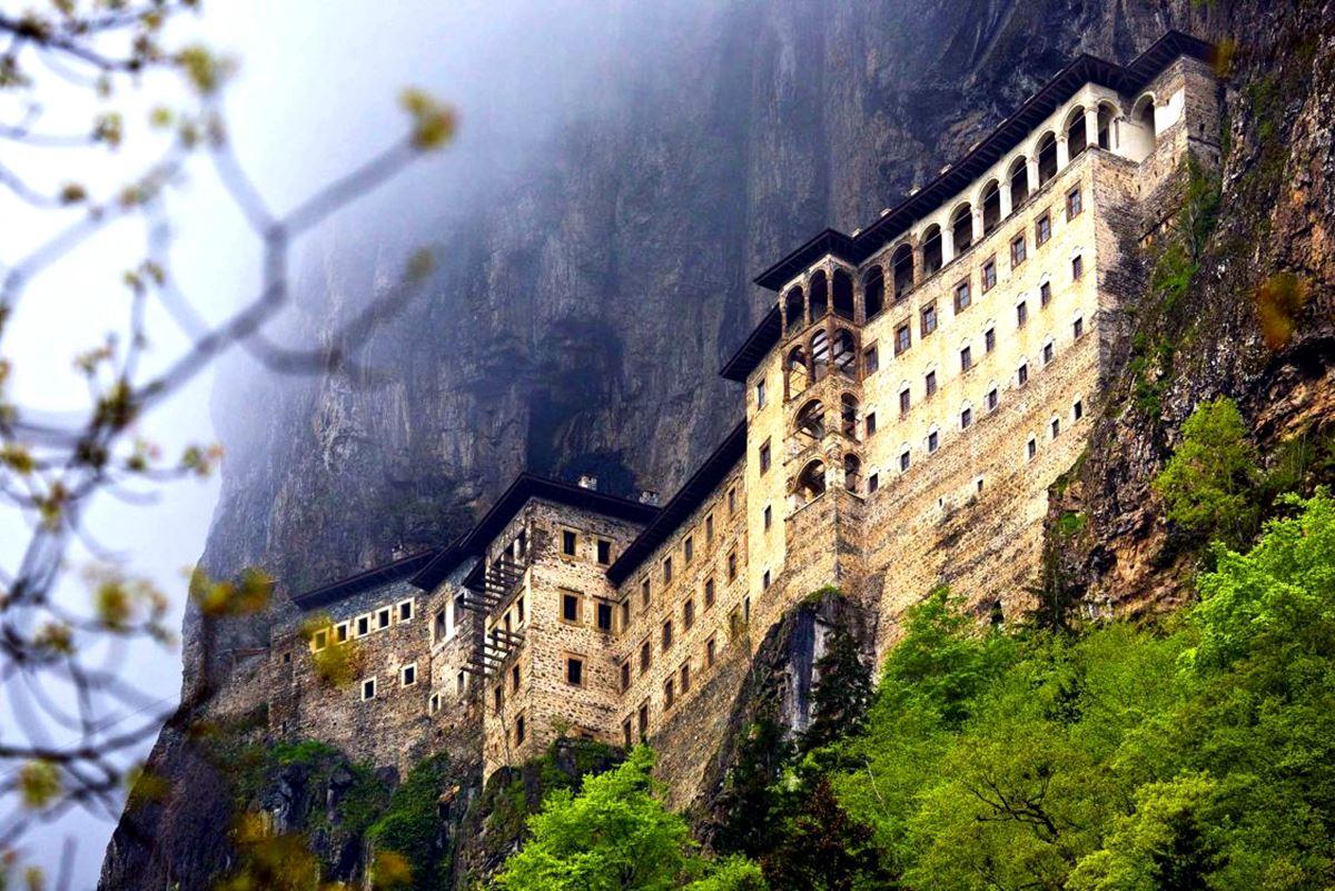Sumela-Monastery معرفی بهترین جاذبه های گردشگری ترابزون ترکیه | قسمت اول