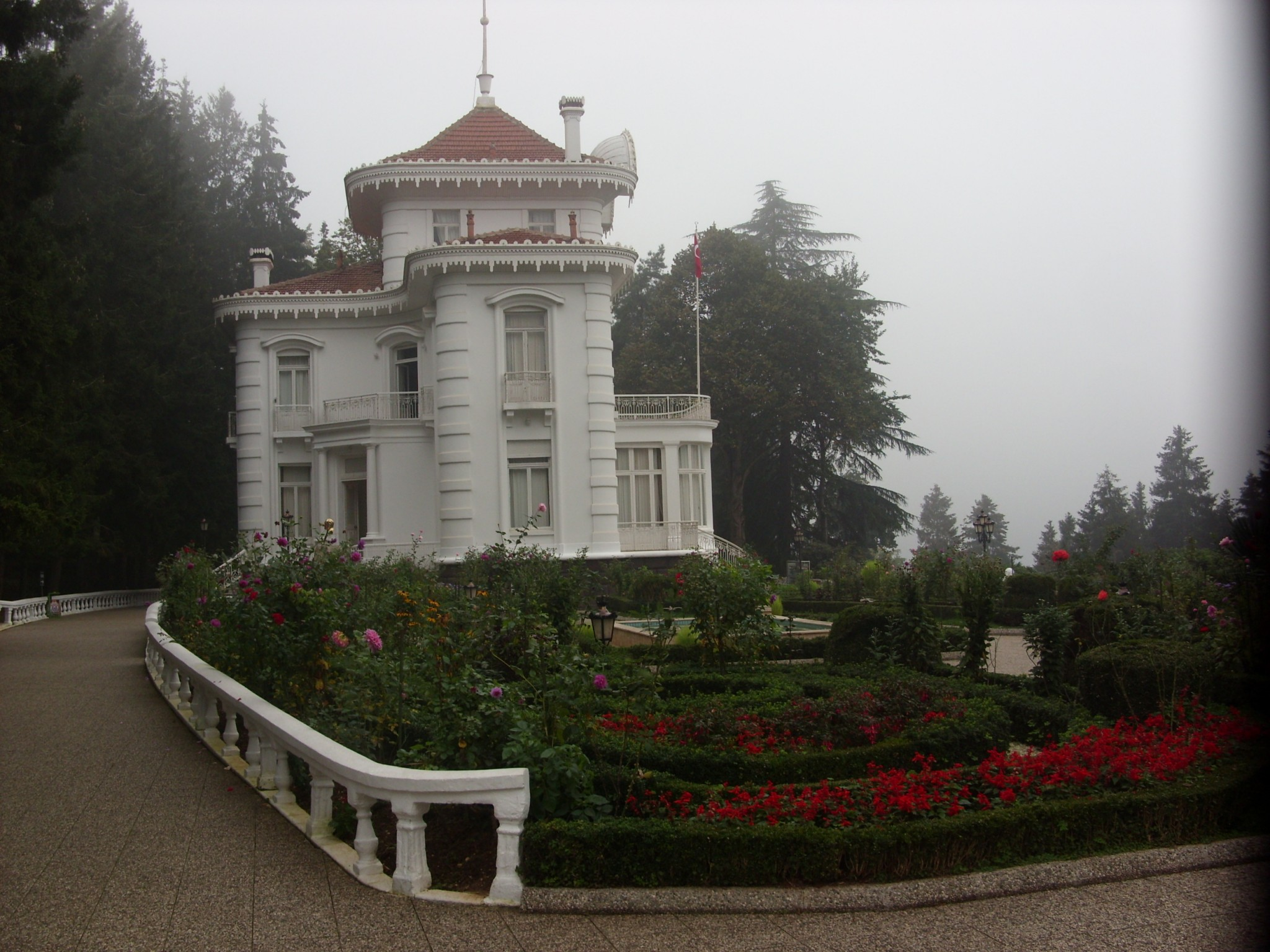 TRABZON_ATATÜRK_KÖŞKÜ_-_panoramio ویلای آتاتورک ترابزون