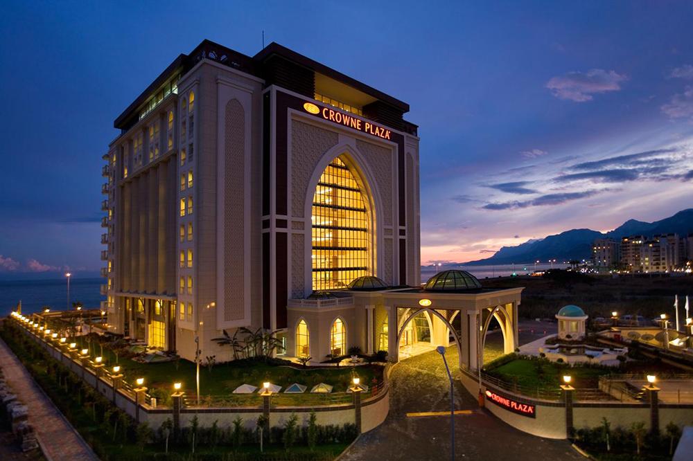 هتل کرون پلازا Crowne Plaza