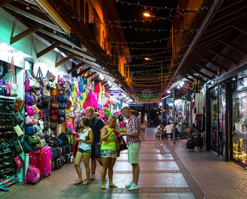 grand-bazaar-alanya-august-considered-to-be-old-shopping-mall-august-turkey-43194143