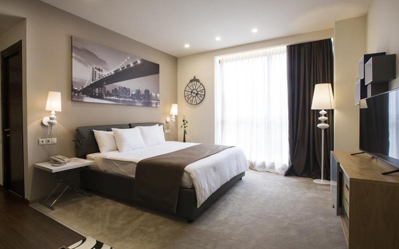 هتل اپرا سوئیت (Opera Suite Hotel)2