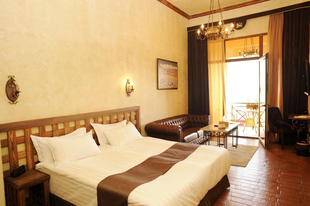 هتل قفقاز (کاکاسوس)2