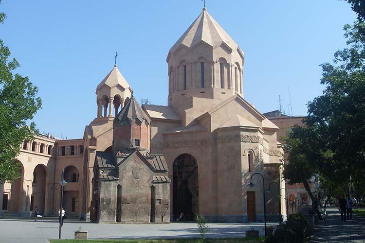کلیسای کاتولیک (مریم مقدس) ایروان (Katoghike)