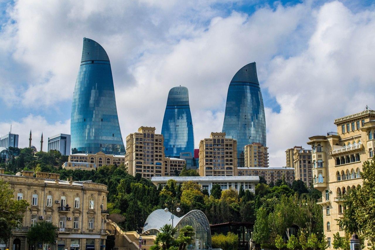 -های-شعله انتخاب زمان مناسب سفر به باکو