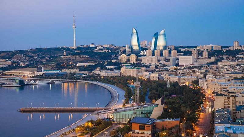 Fall انتخاب زمان مناسب سفر به باکو