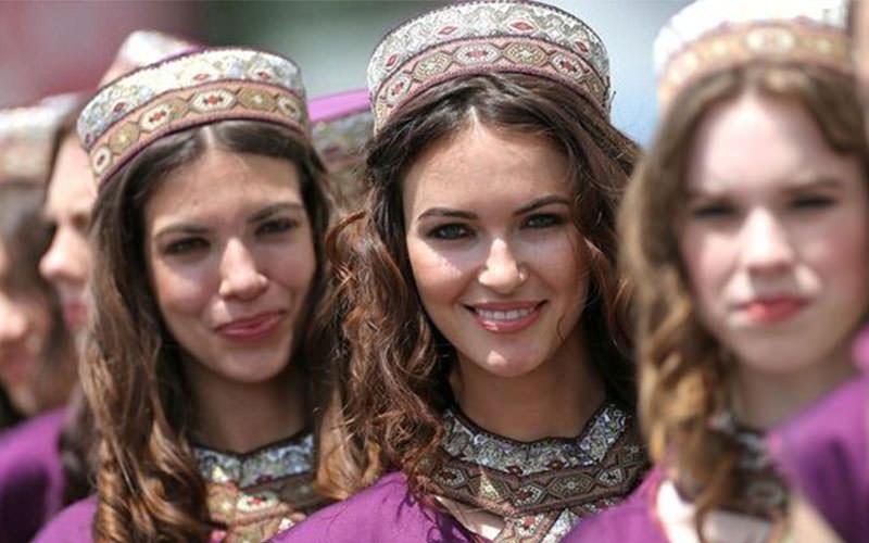 -روز-زن جشنواره های دیدنی باکو
