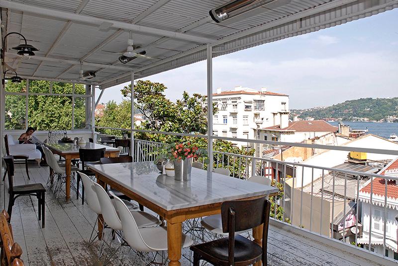 Mangerie-Bebek-Terrace بهترین کافه های استانبول | قسمت اول