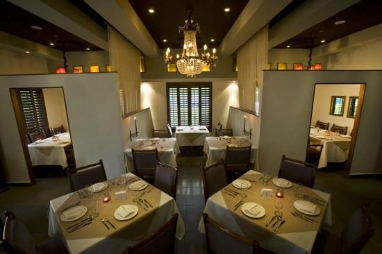 رستوران نیلو (Niloo's Restaurant)
