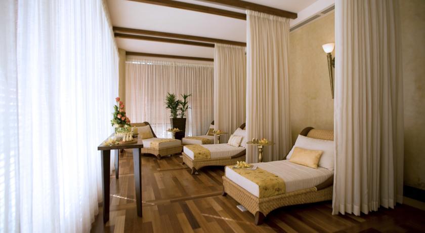 هتل رافلز2