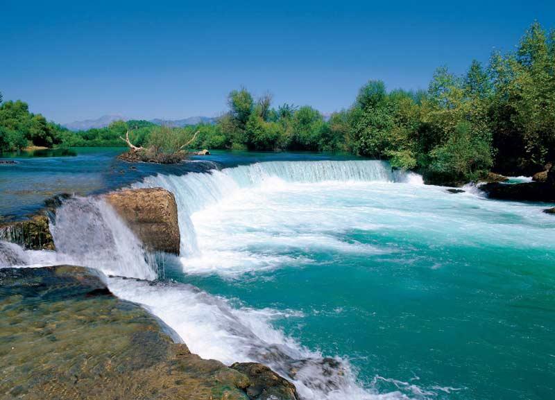 آبشار و رودخانه ماناوگات