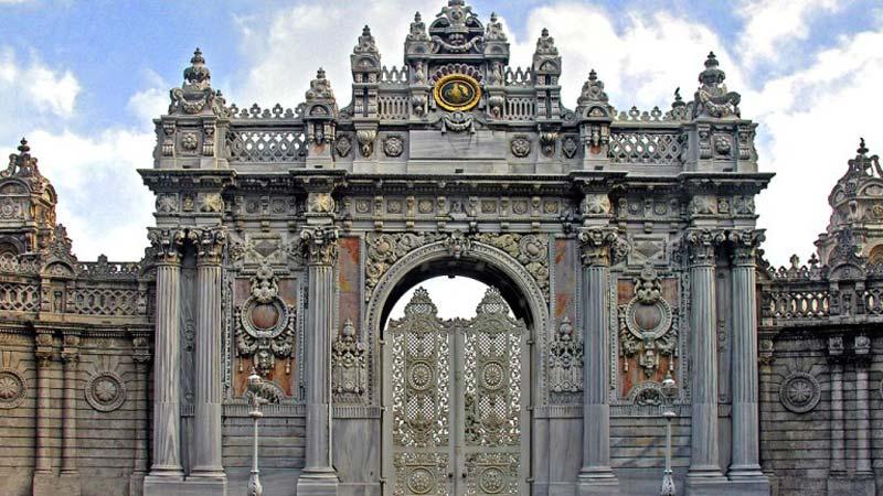 کاخ دلما باغچه (Dolmabahce Palace)