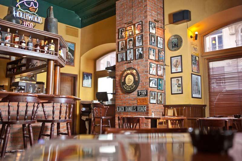 -غروب-Sunset-Cafe بهترین کافی شاپ های باکو